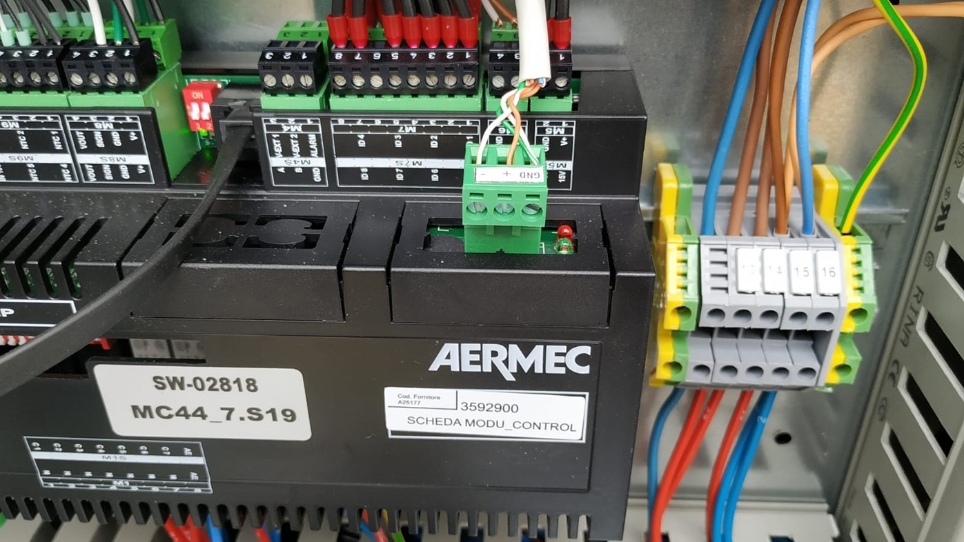 The Aermec attached to the RS485 ethernet converter